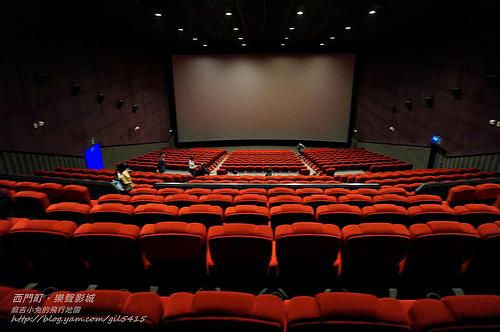 體驗推薦【LUX CINEMA 樂聲影城】X4K Duo+五層樓高巨幅螢幕+Dolby 7.1立體音~全新影音新震撼